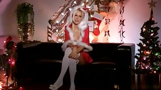 Euro amateur mrs clause masturbates in the first place siamoise