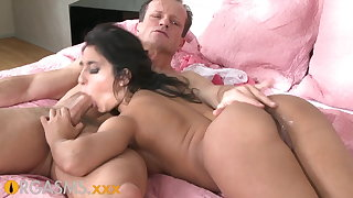 ORGASMS Tanned hungarian beauty loves close to ride his horseshit