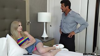 Spanking and pussy pleasing is a favorite sex diversion for Lexi Lore