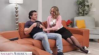 Sexy housewife Elle McRae takes the lead and coax man for random have sexual intercourse