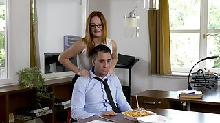 Office MILF wants the new guy's unearth before spiralling home